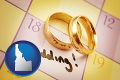 idaho wedding day plans, with gold wedding rings