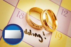 kansas wedding day plans, with gold wedding rings