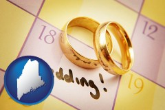 maine map icon and wedding day plans, with gold wedding rings