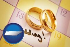 tennessee map icon and wedding day plans, with gold wedding rings